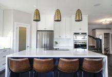 Podpowiadamy jak dobrze dobrać blaty stołowe do wybranych przestrzeni gastronomicznych