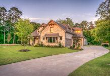 Indywidualne i gotowe projekty domów – które wybrać