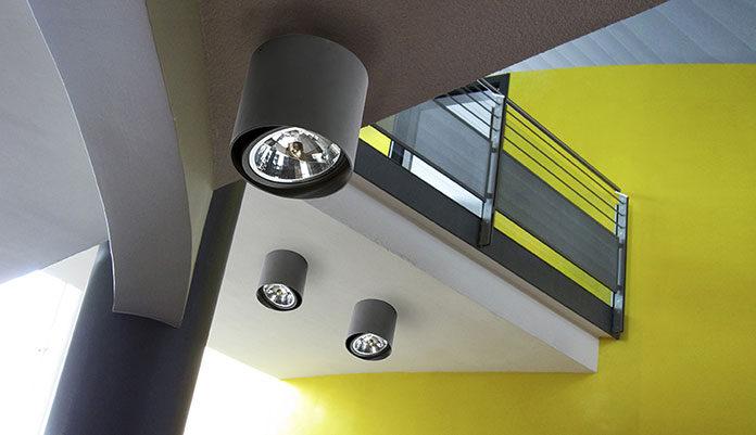 Sterowanie oświetleniem za pomocą dotykowego panelu